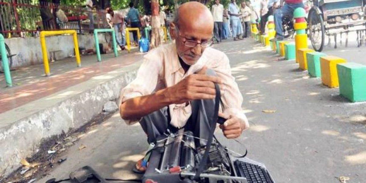Hombre de 65 años sufre abuso policiaco e internet se vuelca a ayudarlo