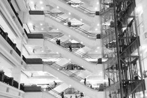 Tampoco se debe correr en ellas Foto:Instagram.com/explore/tags/escalator/. Imagen Por: