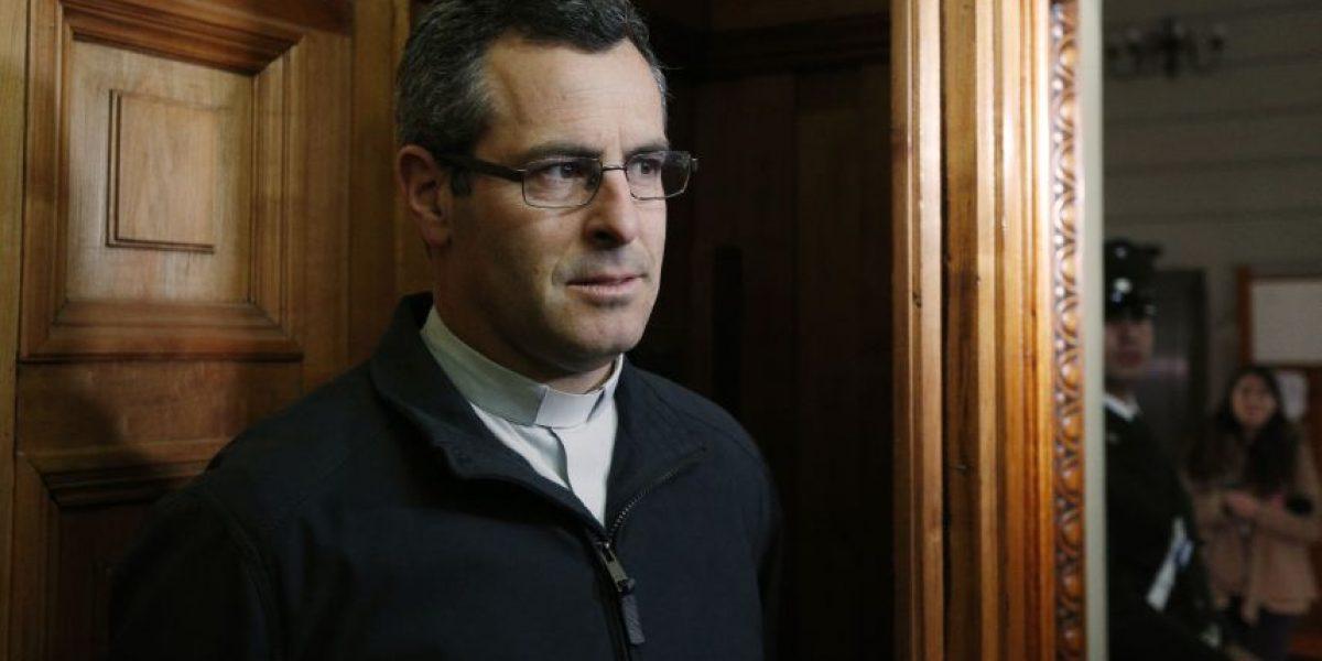 Caso Karadima: comienzan a declarar testigos por demanda contra iglesia