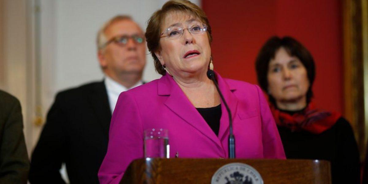 Cadem: Bachelet sube aprobación en dos puntos porcentuales