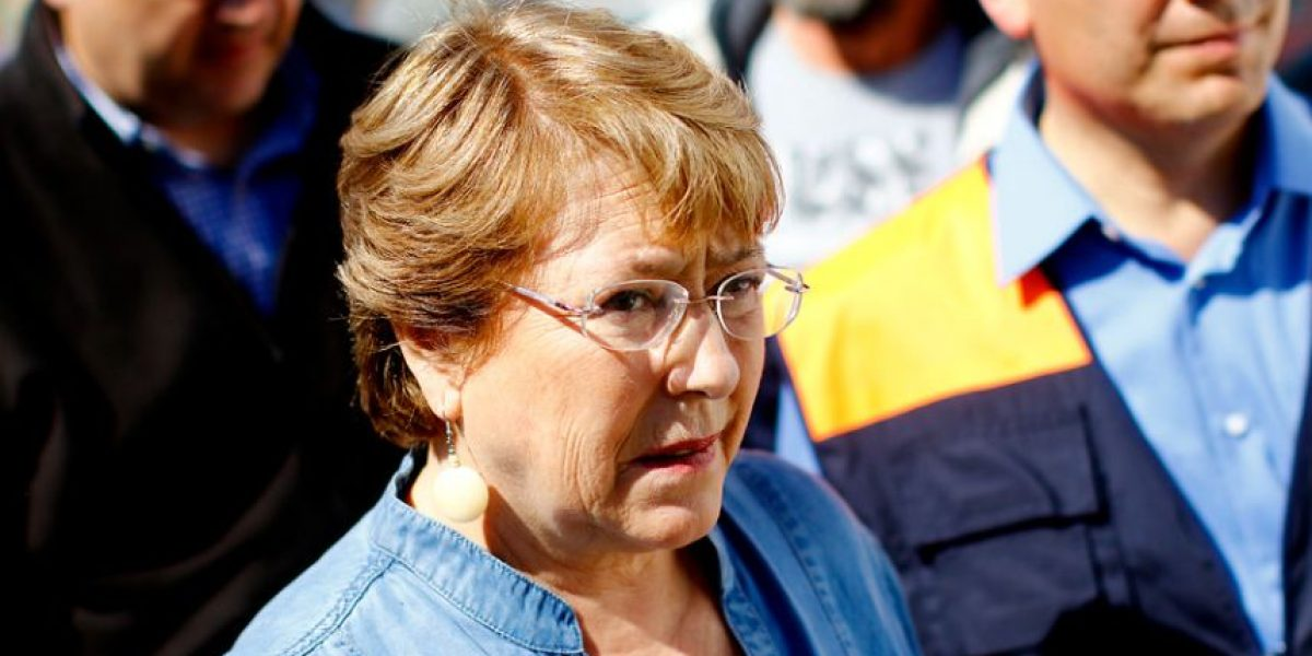 """Bachelet anuncia entrega de bono tras terremoto y """"bono tsunami"""""""