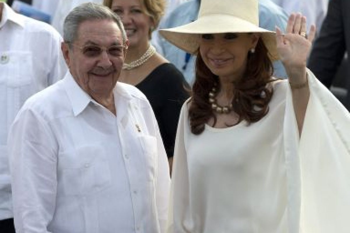 La presidenta de Argentina Cristina Fernández viajó a Cuba para ver al papa. Foto:AP. Imagen Por: