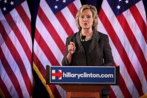 """""""Eso fue un error. Lo lamento. Asumo la responsabilidad"""", declaró Clinton sobre haber utilizado una cuenta de correo personal en lugar de usar la que provee la Casa Blanca. Foto:Getty Images. Imagen Por:"""