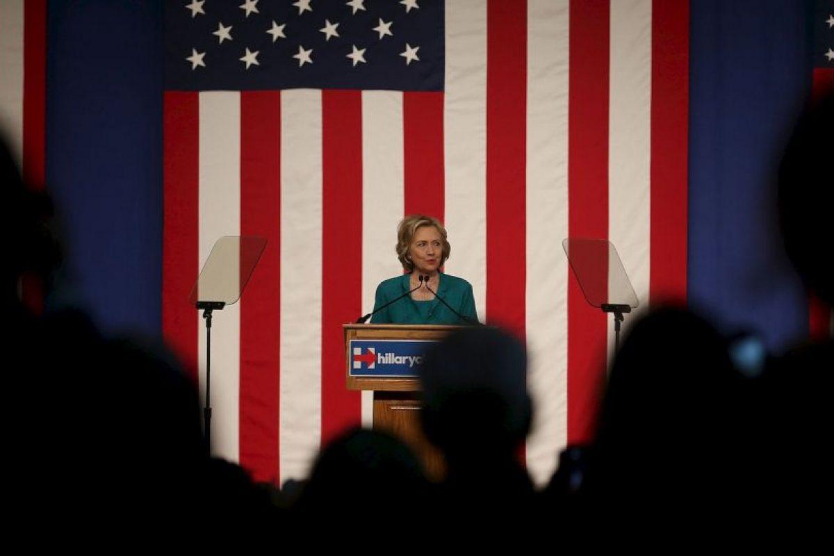 Clinton aseguró que ella no recibió, ni envió algún correo con contenido clasificado, también declaró que está tratando de ser lo más transparente posible sobre sus acciones. Foto:Getty Images. Imagen Por: