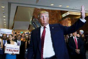 """En entrevista con la revista """"Rolling Stone"""", Trump dijo sobre Carly Fiorina: """"Miren esa cara. ¿Quién votaría por ella?"""". En el debate, Trump no se disculpó, pero mencionó """"Yo voy a cuidar a las mujeres. Yo las respeto"""" y sobre ella, dijo: """"Pienso que es muy guapa y una maravillosa persona"""". Foto:Getty Images. Imagen Por:"""