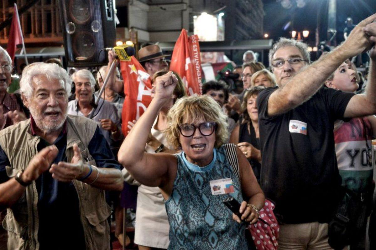 Aunque el pueblo votó en contra, Tsipras terminó aceptando Foto:Getty Images. Imagen Por: