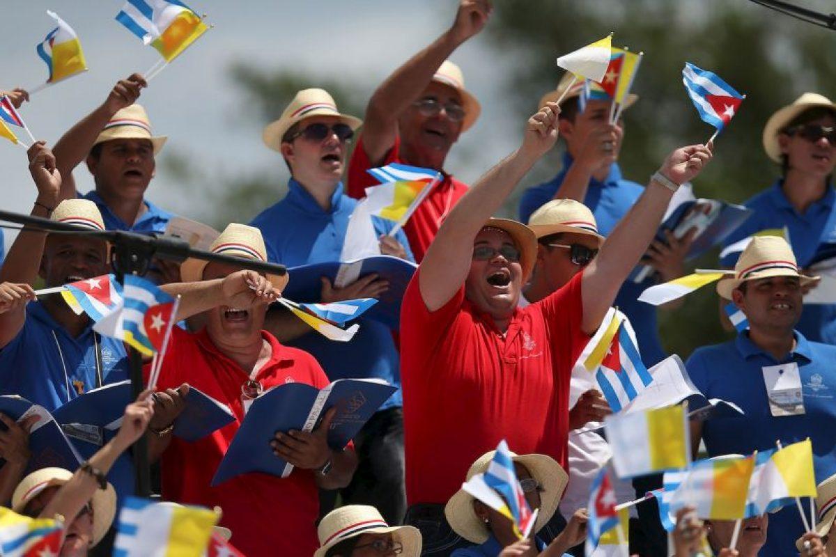 """8. """"Estamos matando la capacidad de unir, estamos matando la amistad social. Eso es lo que les pido a ustedes hoy, sean capaces de crear la amistad social"""", dijo el papa Francisco en Cuba. Foto:Getty Images. Imagen Por:"""