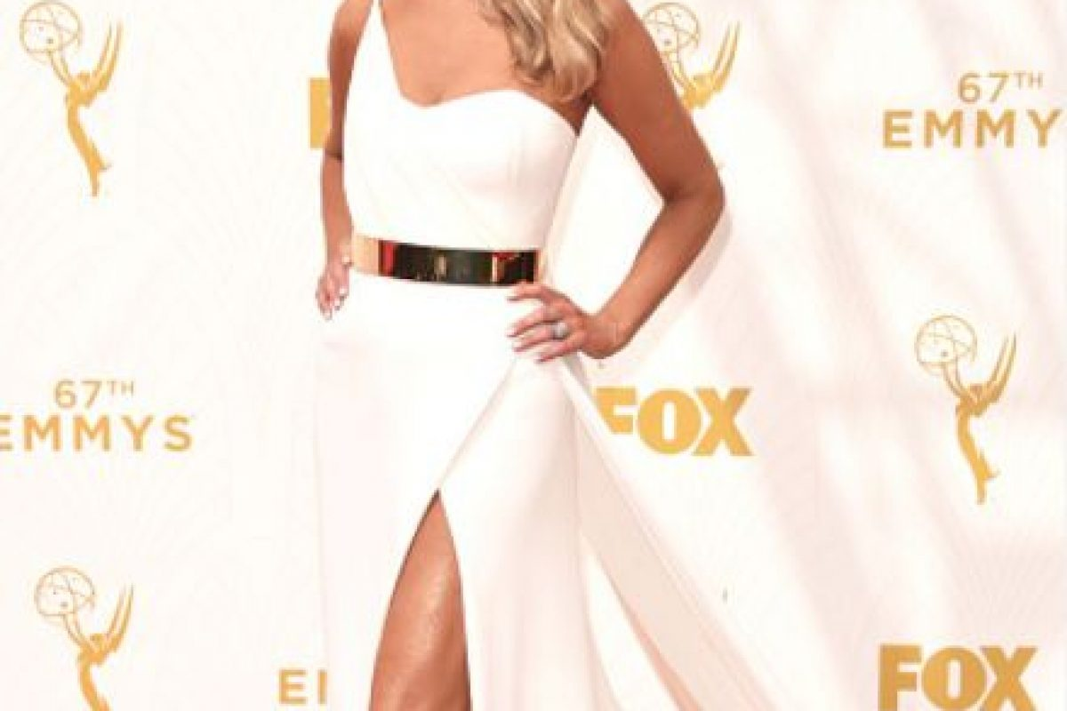 """Nancy O' Dell como """"Miss Hot Latina"""" en un vestido sin forma y con mucho exceso. Foto:vía Getty Images. Imagen Por:"""