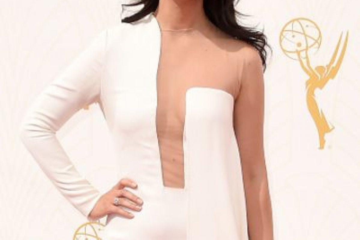 Nazarin Boniadi pudo usar esto con un peinado más limpio. Foto:vía Getty Images. Imagen Por: