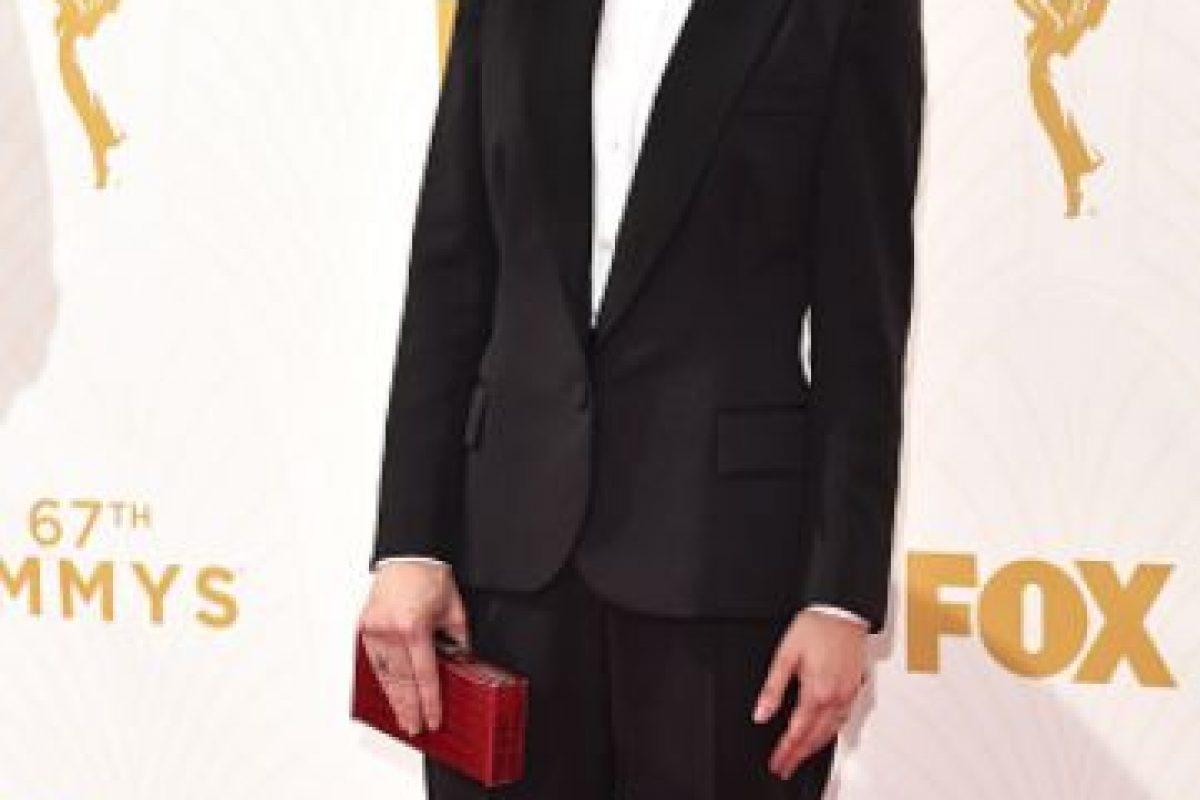 Carrie Brownstein, con el único buen tuxedo de la noche. Foto:vía Getty Images. Imagen Por: