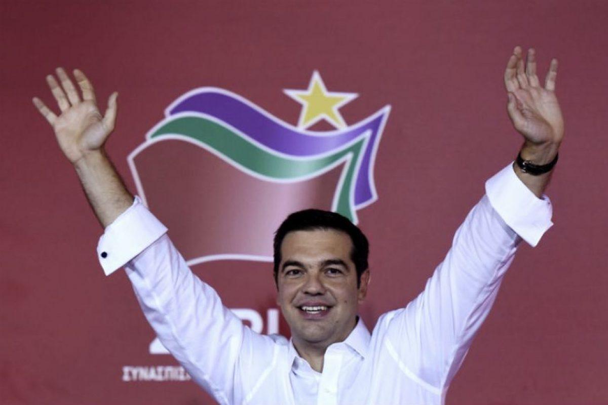 Sin embargo tras su renuncia gano su reelección con el 35 por ciento de los votos, o sea 144 escaños en el Congreso. Foto:AFP. Imagen Por:
