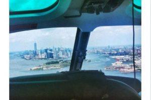 """""""De regreso en helicóptero"""" Foto:Twitter.com. Imagen Por:"""