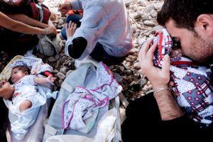 El momento de la llegada a la isla de Lesbos en Grecia Foto:AFP. Imagen Por: