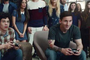 Lionel Messi juega en el comercial para la televisión. Foto:EA Sports. Imagen Por:
