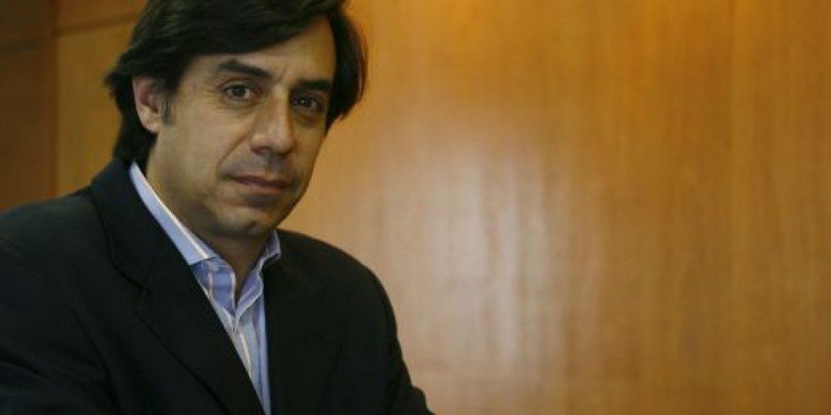 Renuncia Larraín a presidencia de BancoEstado