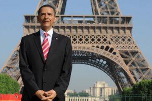 Una figura de cera del presidente estadounidense Barack Obama se presenta delante de la Torre Eiffel en 2009. Foto:Getty Images. Imagen Por: