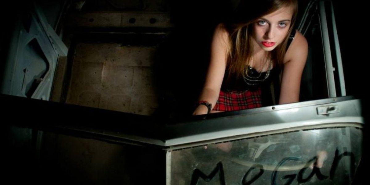 Esta es la chilena de 16 años que la rompe en Europa con canciones grunge
