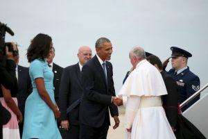 El presidente estadounidense lo recibió con aplausos y un apretón de manos. Foto:AP. Imagen Por: