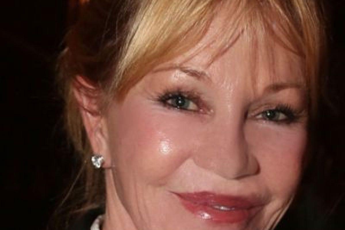 Tiene 58 años. En los 90 fue célebre por casarse con Antonio Banderas. Foto:vía Getty Images. Imagen Por: