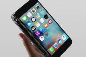 La pantalla casi ensamblada Foto:Apple. Imagen Por: