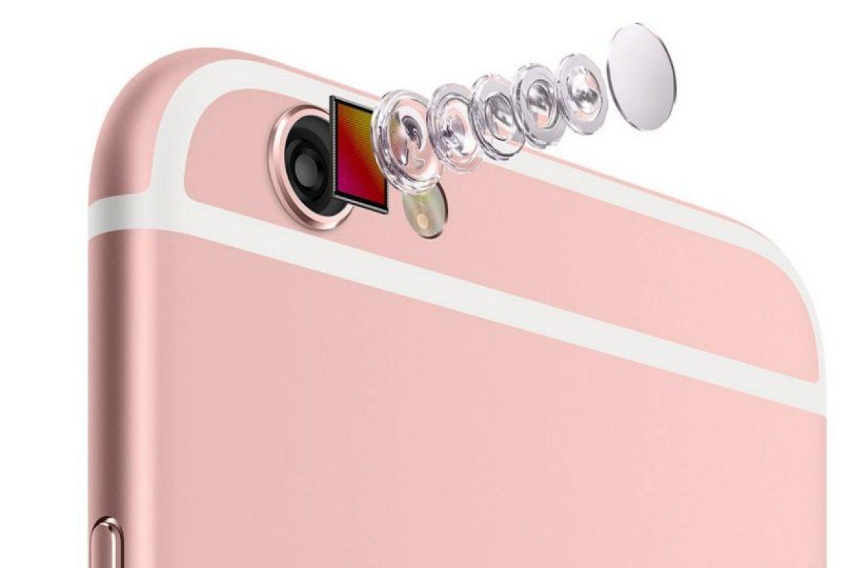 Los lentes de la cámara posterior de 12 megapíxeles Foto:Apple. Imagen Por: