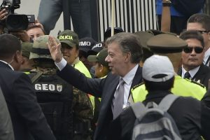 Previo al encuentro Santos había destacado que un punto importante era el mal trato que alegadamente se le daba a los colombianos. Foto:AFP. Imagen Por: