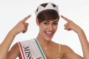 """Sus comentarios se suman a la lista de respuestas """"incómodas"""" de las reinas de belleza Foto:Facebook.com/pages/Alice-Sabatini. Imagen Por:"""