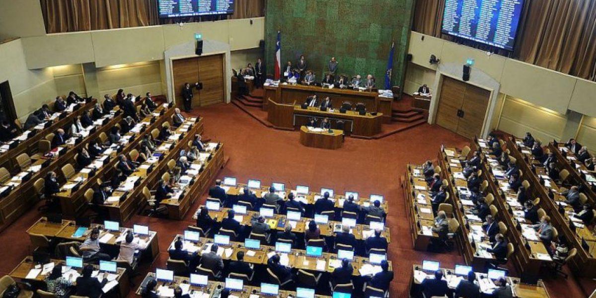 Buscan descontar días a parlamentarios que no cumplan con semanas distritales