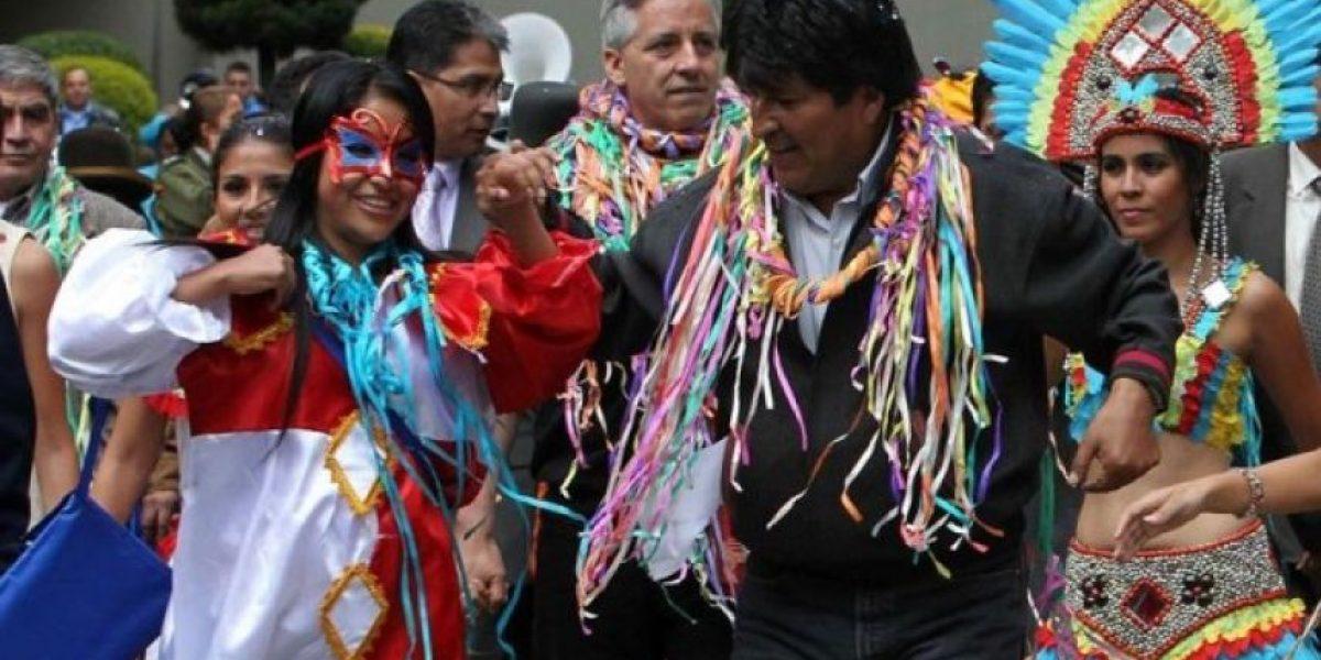 El peculiar baile de Evo Morales a un día del fallo de La Haya