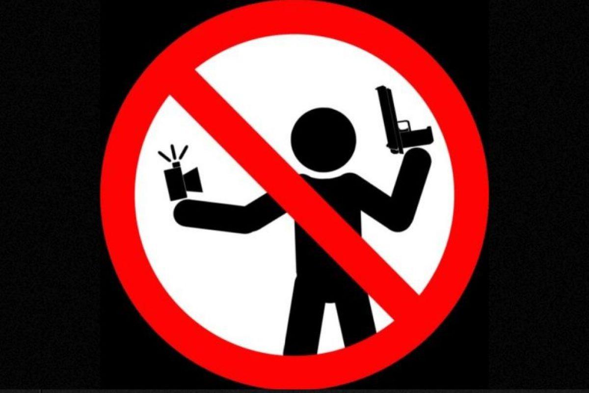 No tomarse selfies con un arma de fuego. Foto:vía mvd.ru. Imagen Por:
