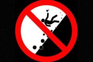 No tomarse selfies mientras suben o bajan una pendiente. Foto:vía mvd.ru. Imagen Por: