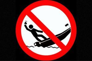 No tomarse selfies de pie en un bote en movimiento. Foto:vía mvd.ru. Imagen Por:
