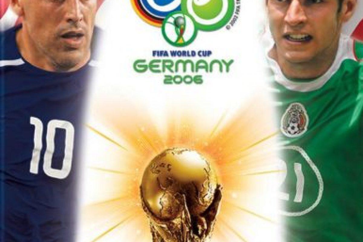 """En el año 2006, en la portada del videojuego portada """"FIFA World Cup 2006"""" para América del Norte aparecían el estadounidense Claudio Reyna y el mexicano Jaime Lozano. Sin embargo el jugador mexicano no fue a este evento Foto:Twitter. Imagen Por:"""