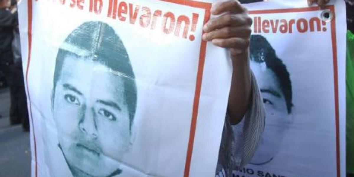 Padres de los 43 a Peña Nieto: ¿Dónde están nuestros hijos?