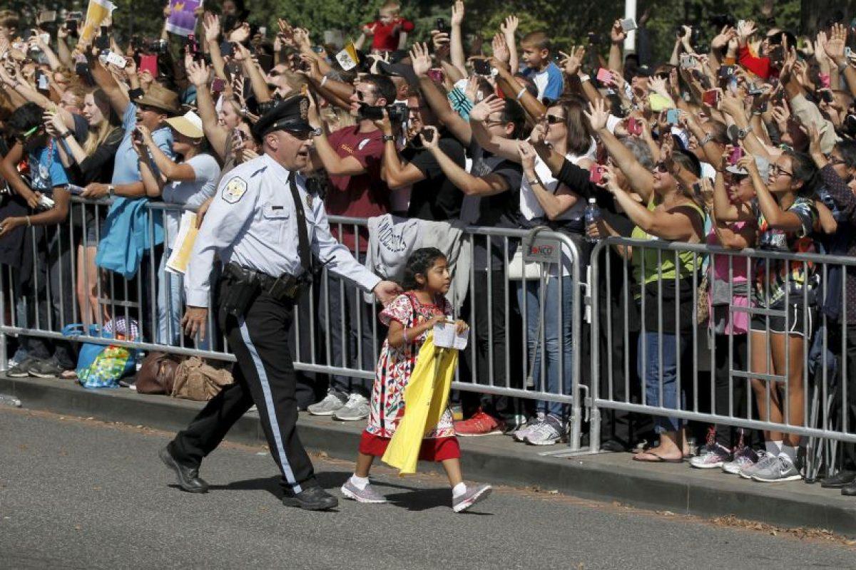 Sophia Cruz protagonizó una conmovedora escena con el Papa Francisco Foto:AP. Imagen Por: