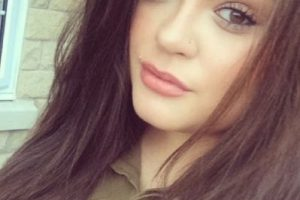 Tiene 24 años y es una reconocida blogger de belleza. Foto:vía instagram.com/deemalik1. Imagen Por: