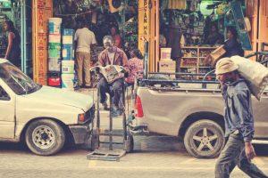 7. Nairobi. Los locales de esta ciudad keniana dedican dos mil 184 horas a su trabajo cada año. Foto:Vía flickr.com. Imagen Por: