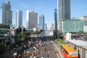 9. Jakarta. En la capital de Indonesia, según UBS, se trabaja un promedio de dos mil 102 horas al año. Foto:Vía Wiki. Imagen Por: