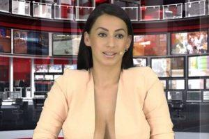 Su nombre es Enki Bracaj y consiguió quedarse con el puesto de locutora de noticias internacionales en un programa de noticias de Albania gracias a su pronunciado escote. Foto:Vía Facebook.com/enki.bracaj. Imagen Por: