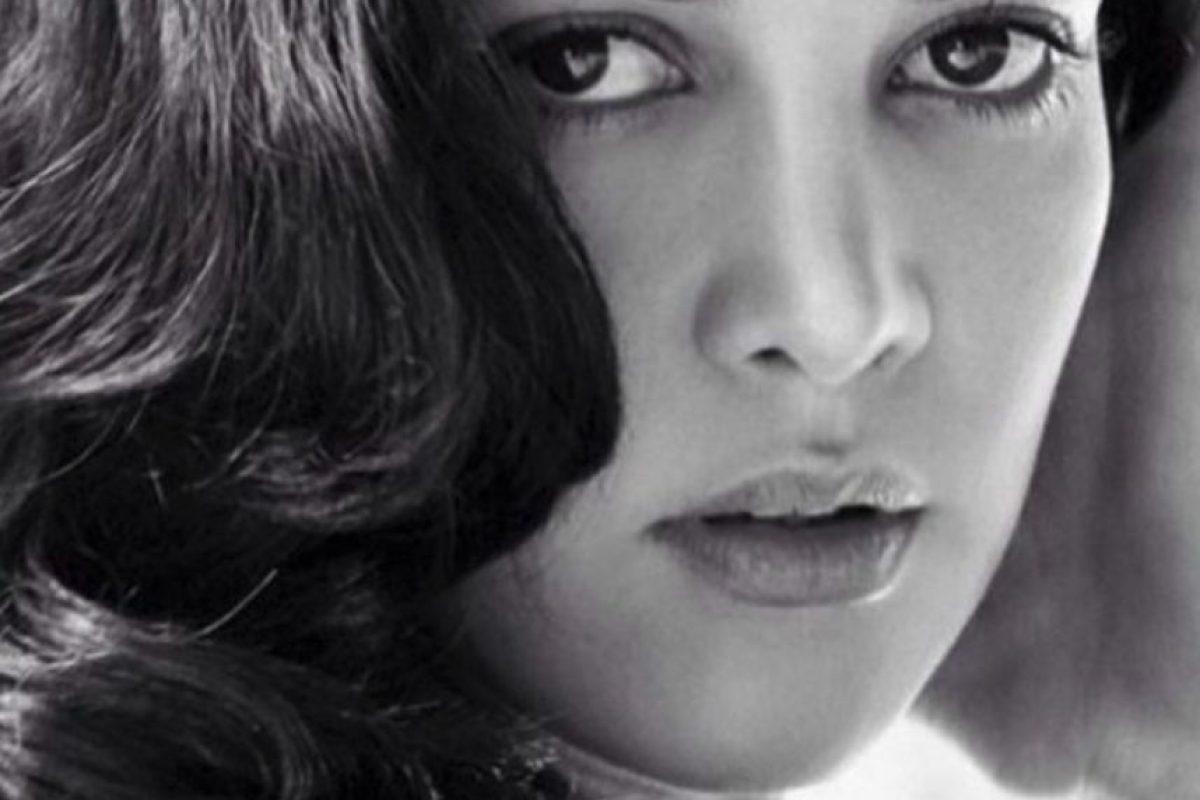 La actriz, modelo y reina de belleza venezolana que fue asesinada el pasado 6 de enero de 2014 junto con su esposo durante un asalto en una carretera de ese país. Al momento de su muerte, Spear estaba de vacaciones con su esposo e hija, que sobrevivió al ataque armado, en una provincia de su natal Venezuela. Foto:Vía Instagram/monicaspear. Imagen Por: