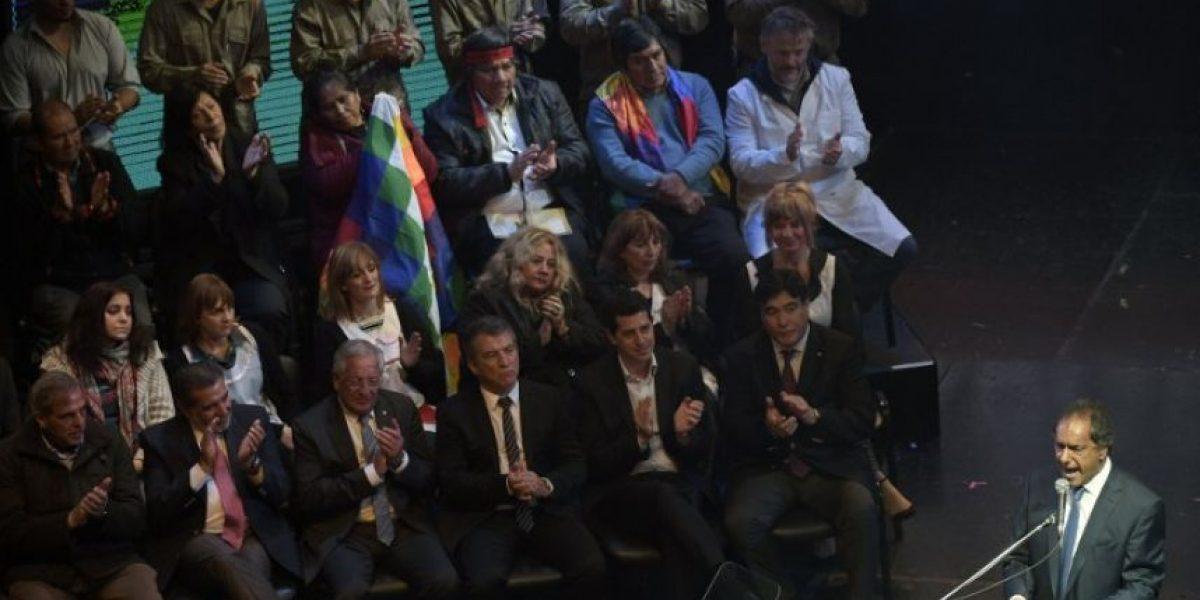 Scioli acaricia la victoria a un mes de las elecciones
