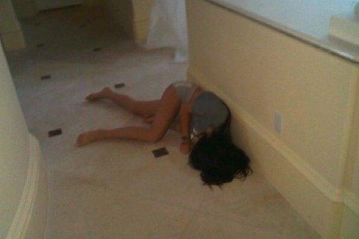 O en el suelo. Foto:vía myspace.com/kyliejennerkardashian. Imagen Por: