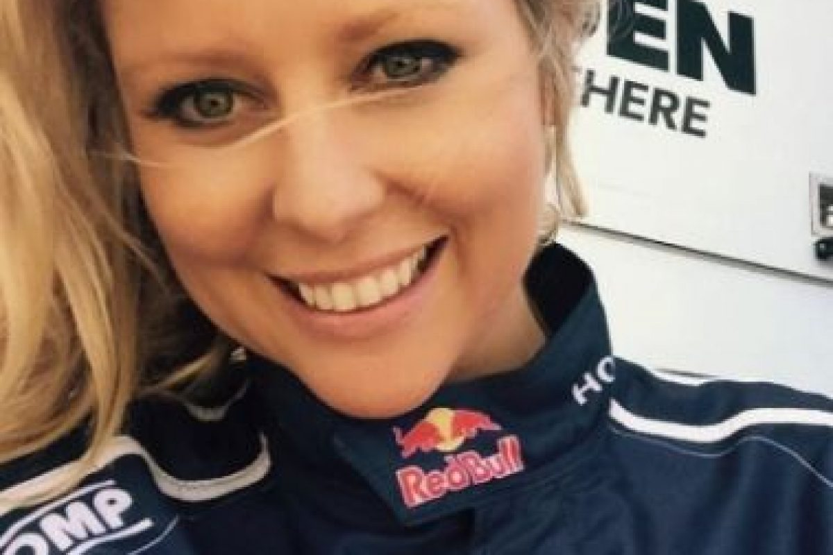 Tiene 35 años, es una reconocida presentadora australiana y está casada. Foto:vía instagram.com/charli_robinson. Imagen Por: