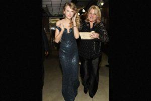 Taylor Swift anunció que su mamá enfrenta una lucha contra el cáncer. Foto:Getty Images. Imagen Por: