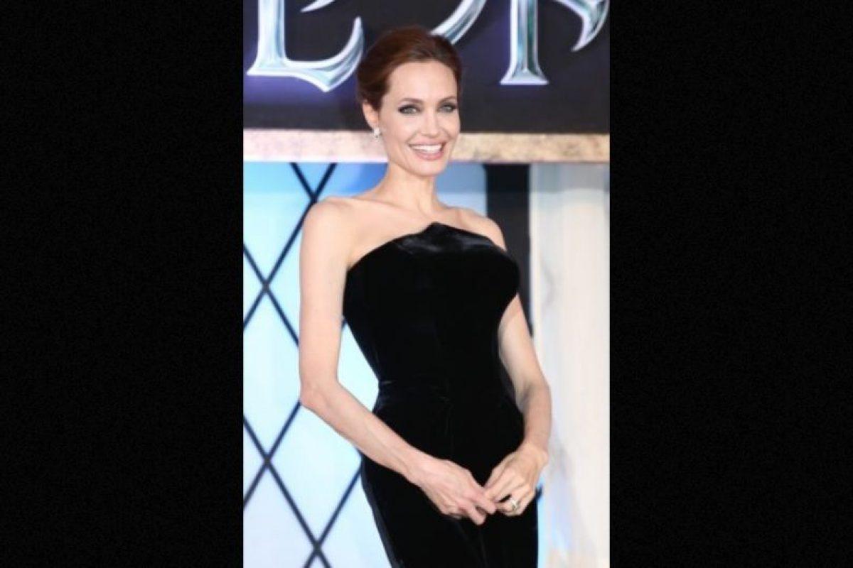 En 2013, la actriz se sometió a una doble mastectomía -extirpación de ambos senos- para evitar un posible diagnóstico de cáncer. Foto:Getty Images. Imagen Por:
