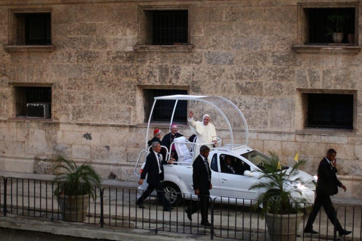 El miércoles 23 el papa llevó a cabo la canonización del español fray Junípero Serra. Este será el primer hispano en ser declarado santo en una iglesia de Estados Unidos. Foto:Getty Images. Imagen Por: