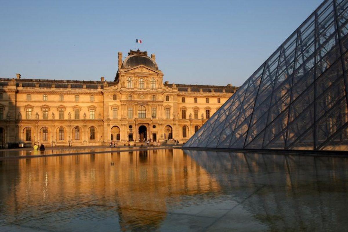 La famosa obra de arte se expone actualmente en el museo de Louvre de París, Francia Foto:Getty Images. Imagen Por: