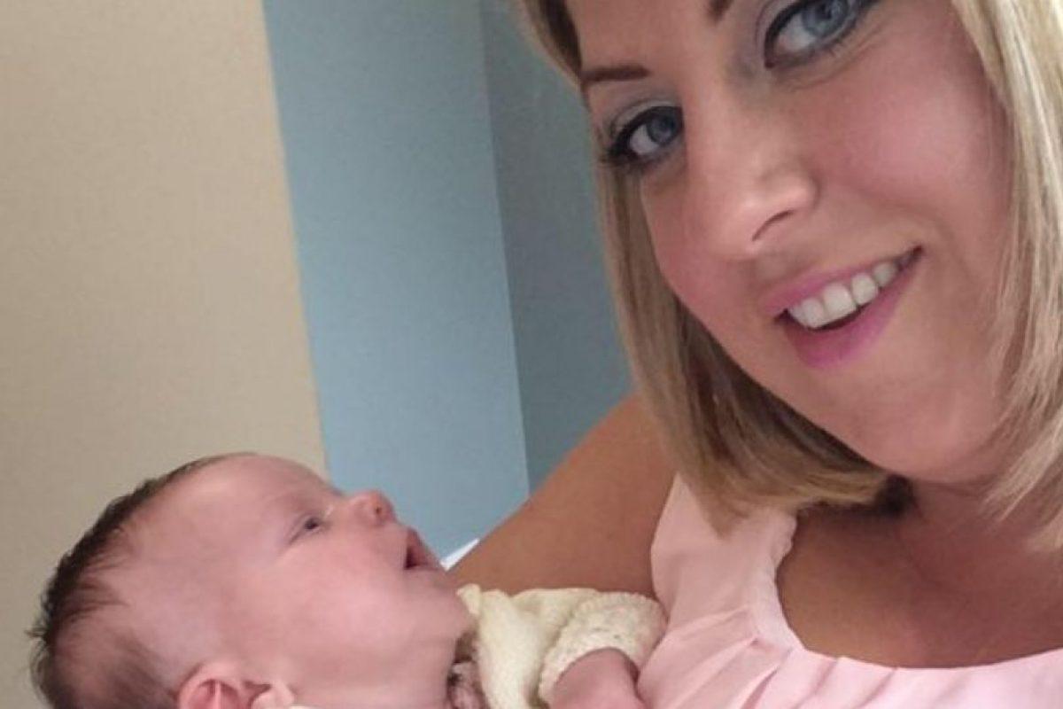 Claire Henderson tuvo una bebé llamada Brooke hace un mes. Foto:vía Facebook /Claire Henderson. Imagen Por: