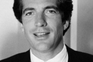 Trató de secuestrar al hijo de John F. Kennedy, John John. Foto:vía Getty Images. Imagen Por: