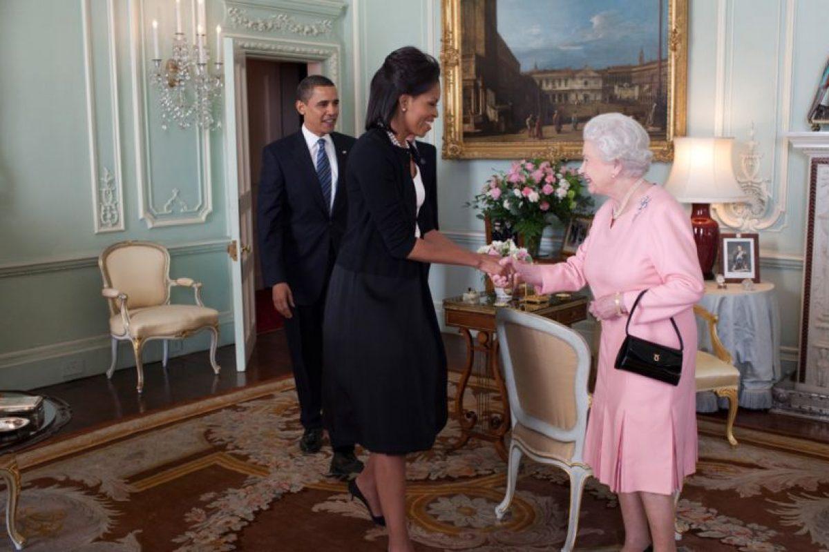 Comía en una vajilla perteneciente a la reina Isabel. Foto:vía Getty Images. Imagen Por: